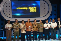 pemenang_elearning_award2