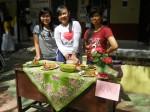Saat lomba memasak (Nadia, Yanti, Ella)